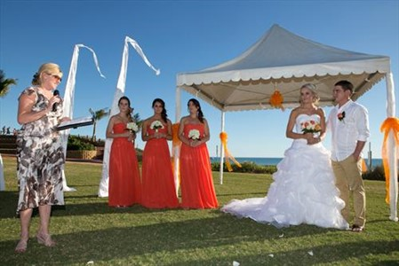 Samantha and Simons Beautiful Cable Beach Wedding in Broome